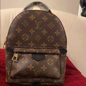 I'm selling Louis Vuitton mini backpack💕